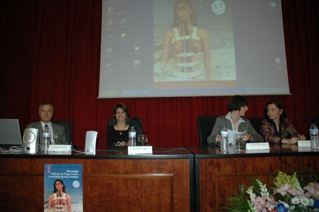 Fotos de las jornadas provinciales de fibromialgia celebradas en Huelva